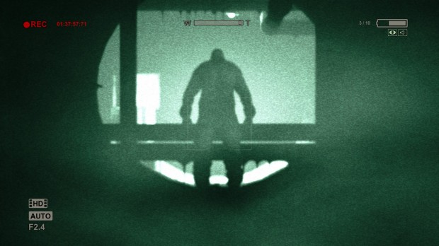 2013 08 31 00007 620x348 Brave the dark   Outlast review