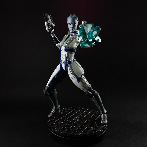 etc figure me liara fullfront Bioware Releasing Detailed Statue of Liara from Mass Effect