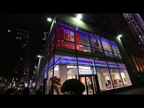 Nintendo Fans waiting for Switch Midnight Launch NYC [Gaming Trend]