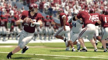NCAAFB13_Playbook2_GP7
