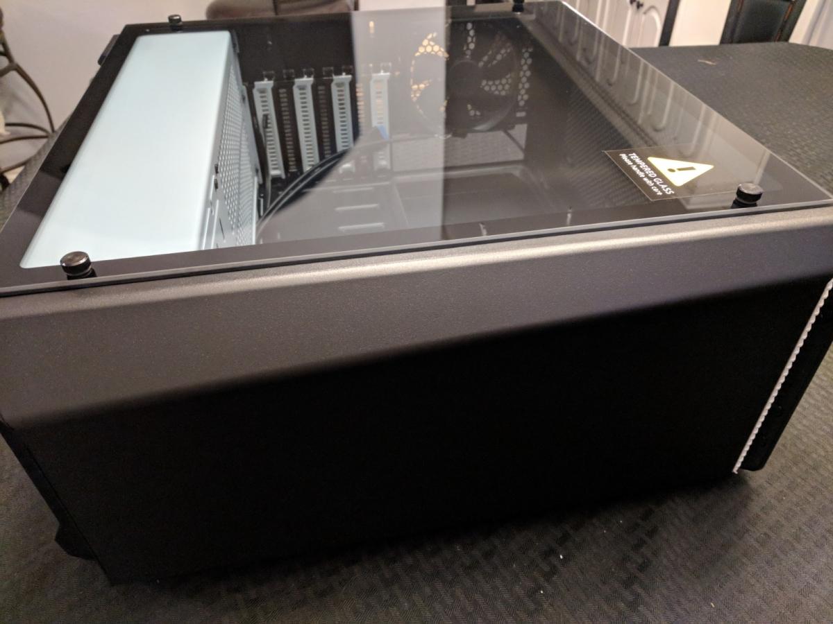 AMD Phanteks Case - 01