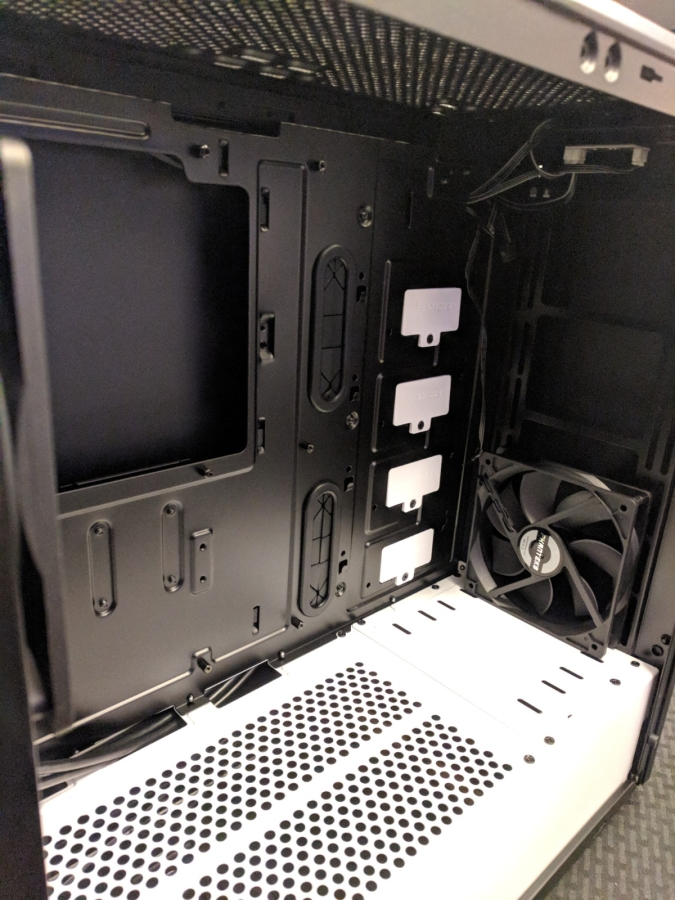 AMD Phanteks Case - 04