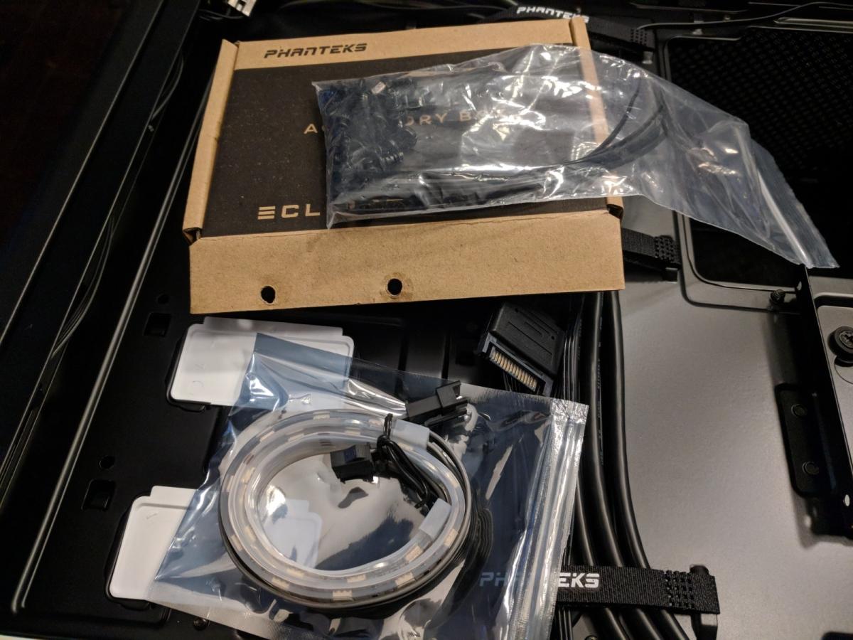 AMD Phanteks Case - 07