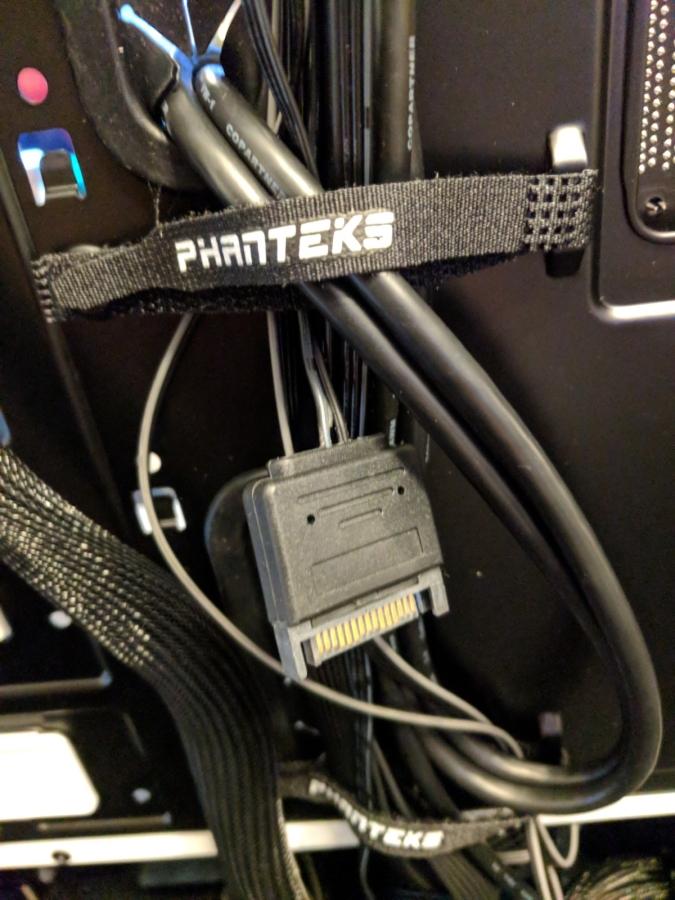 AMD Phanteks Case - 12
