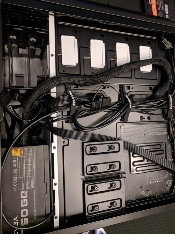 AMD Phanteks Case - 13